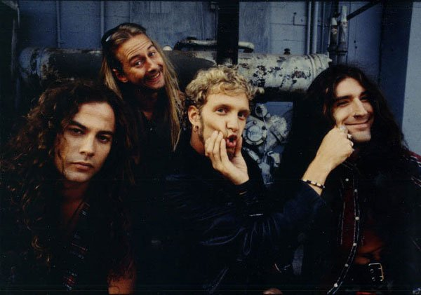 alice-in-chains-old